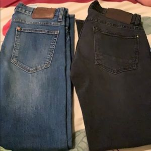 Bundle of  2 jeans.
